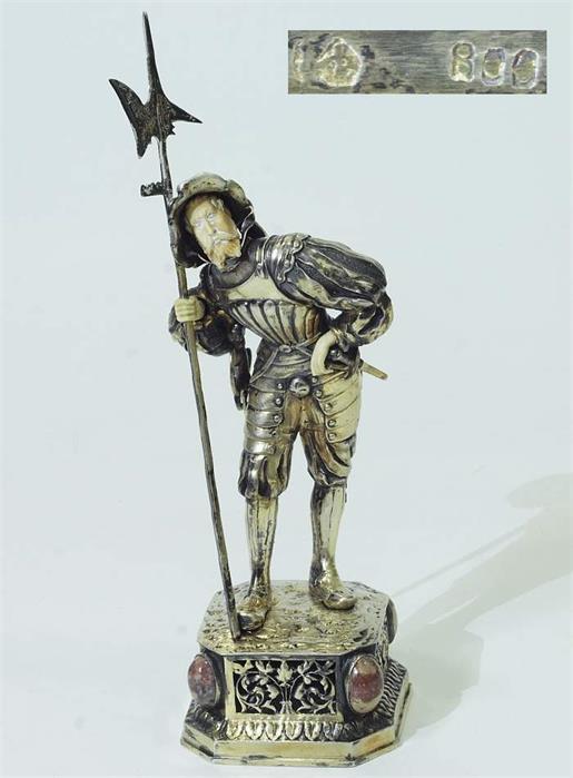 Uniformfigur, Landsknecht mit Hellebarde und Schwert.