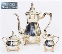 Dreiteiliges Kaffeeservice, Silver-Plated;  VINERS/SHEFFIELD.